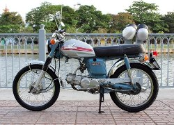 Độ Honda CD50 đời 1970 từ 'đống sắt vụn'
