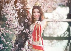 Bỏng mắt với cosplay Ải Mỹ Nhân của Linh Miu