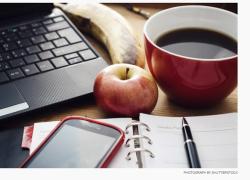 7 loại thức ăn nhẹ nên có trên bàn làm việc