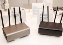 Bộ phát Wi-Fi 4 ăng-ten của Xiaomi đã bán tại Việt Nam