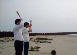 """Nguyễn Sự """"lạy cát"""""""