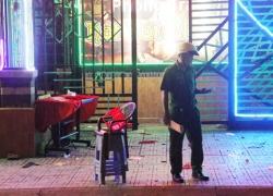 Hỗn chiến trước phòng trà ở Sài Gòn, 3 người bị thương