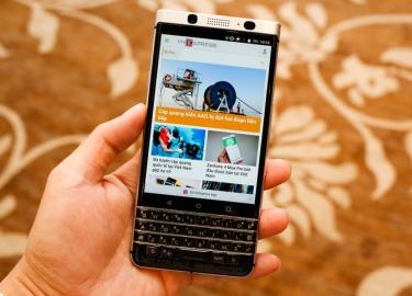 BlackBerry KeyOne chính hãng giá 15 triệu đồng