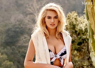 Thao thức vì 5 khuôn ngực đẹp nhất Hollywood