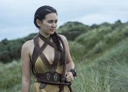 Nhan sắc dàn mỹ nhân 9x bị khai tử trong 'Game of Thrones'