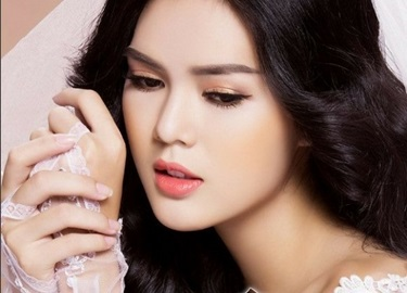 'Bản sao' của Ngọc Trinh gây bất ngờ khi đi thi Hoa hậu Hoàn vũ Việt Nam 2017