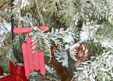 Cách làm xe trượt tuyết trang trí Giáng Sinh đơn giản