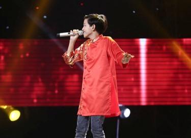 """Soobin Hoàng Sơn """"phát cuồng"""" vì thí sinh 14 tuổi hát dân ca"""