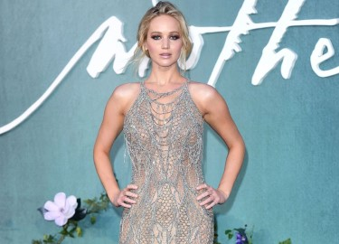 Gu thời trang bất quy tắc của Jennifer Lawrence