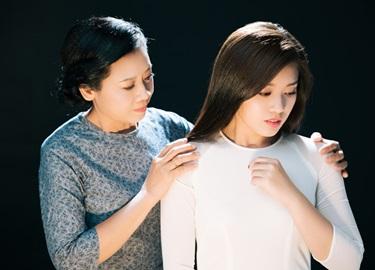 'Sao Mai' Thu Hằng làm MV tặng mẹ nhân mùa Vu Lan báo hiếu