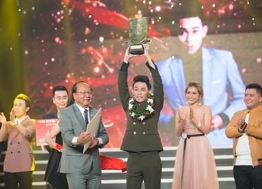 Tân quán quân Hồng Thanh xác lập kỷ lục tại Cười Xuyên Việt 2017
