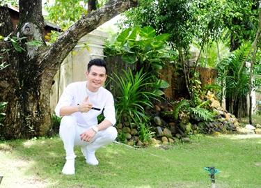 Ca sĩ Lâm Hùng khoe nhà vườn đẹp như resort ở Kiên Giang