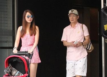 Helen Thanh Đào đi ăn với chồng cũ sau nửa năm bỏ nhau