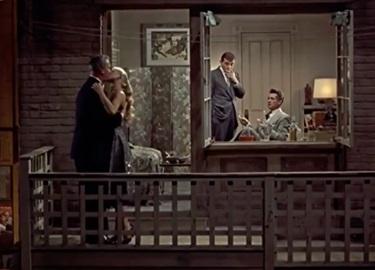 Những ô cửa sổ ám ảnh trong phim kinh điển 'Rear Window'
