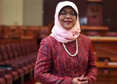 Tân tổng thống Singapore bị chỉ trích vì đắc cử không cần phiếu bầu