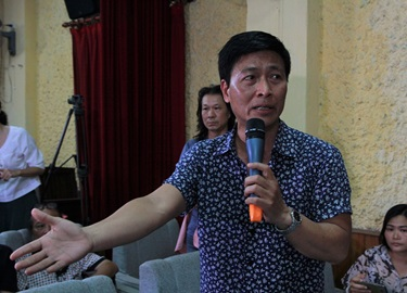 Cuộc cãi vã bi hài ở Hãng phim truyện Việt Nam