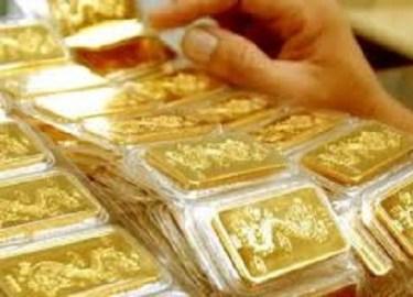 Vàng tiếp tục giảm, USD tăng cao