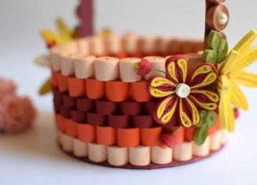 Cách làm giỏ hoa đẹp mê li bằng giấy xoắn