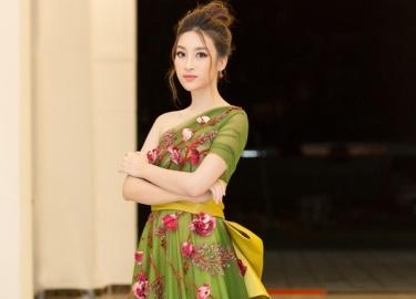Hoa hậu Mỹ Linh diện váy xuyên thấu