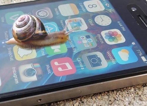 Không có chuyện Apple làm chậm iPhone cũ để dụ dỗ khách hàng lên đời
