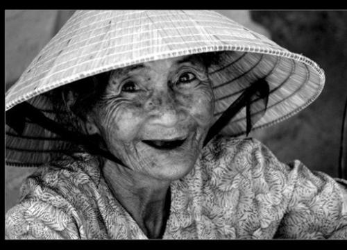 Mong ước cuối cùng của người vợ 80 có người chồng... mãi mãi tuổi 26