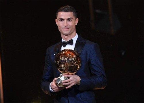 C. Ronaldo giành Quả bóng vàng 2017, san bằng kỷ lục của Messi