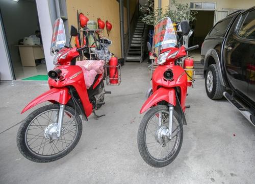 """Cảnh sát Hà Nội """"chế"""" xe máy cứu hỏa ứng phó ngõ hẹp"""