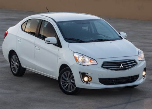 """Nissan Sunny giảm giá mạnh, """"đe dọa"""" Attrage và Aveo"""