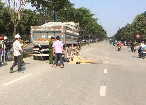 Hai thanh niên tử vong trên đại lộ ở Sài Gòn