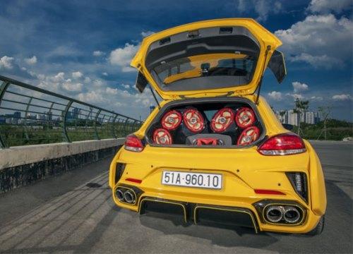 Volkswagen Scirocco độ thân rộng và loa khủng ở Sài Gòn