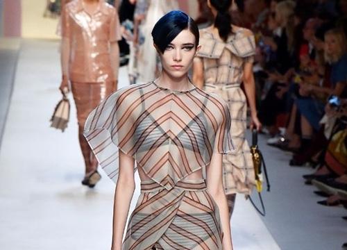 """2018: Năm của thời trang trong suốt """"mặc mà như không"""""""