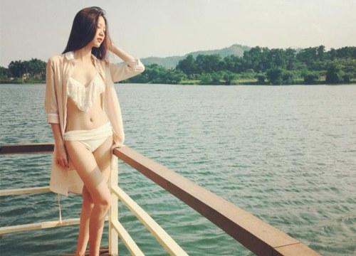 Đọ vẻ sexy của 2 hot girl Hà thành khiến Kỳ Duyên, Phạm Hương quyết đấu nảy lửa