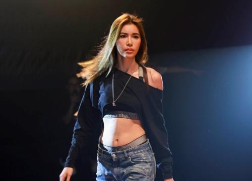Minh Tú mặc áo hở eo tập show Chung Thanh Phong