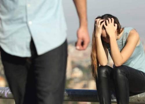 Vợ bầu, bố ốm vẫn ngang nhiên bỏ đi với bồ