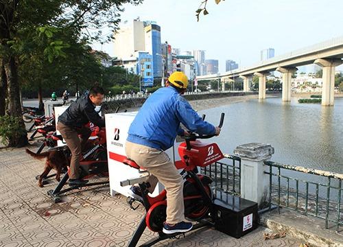 """HN: Xe đạp lọc nước mới lắp bên hồ đã bị """"trộm"""" viếng thăm"""