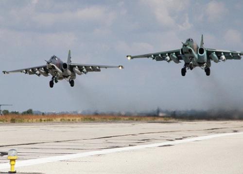 """Moscow vừa tuyên bố rút quân, máy bay Nga-Mỹ """"chạm trán"""" ở Syria"""