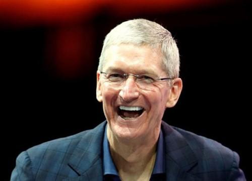 Apple thưởng đậm cho CEO Tim Cook