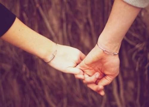 Anh đã nắm tay bao nhiêu cô gái?