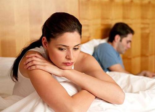 """Lấy chồng kém tuổi, tôi đang giật mình với """"cơn ác mộng"""""""