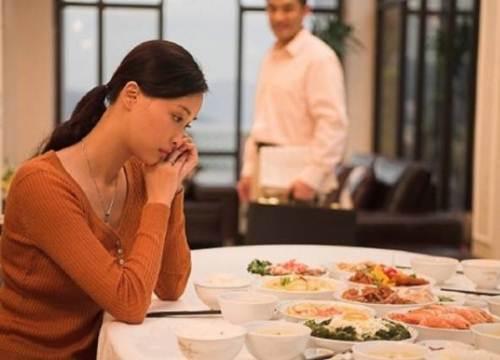 Người phụ nữ chấp nhận lấy chồng lớn hơn 20 tuổi vì mộng giàu sang