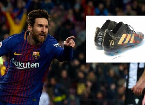 Messi nhận được đôi giày đặc biệt từ Paraguay