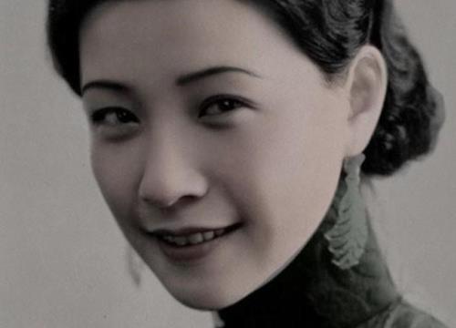 Nữ minh tinh huyền thoại Trung Quốc tự sát, 12 nhân vật quyền lực tự nguyện khiêng quan tài
