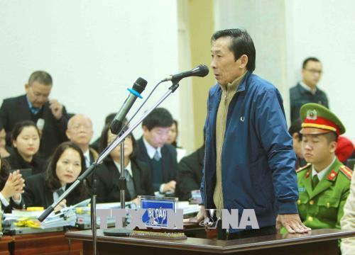 """Vụ ông Đinh La Thăng: """"Trên đe dưới búa"""" nên ký chi sai nghìn tỷ?"""