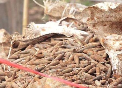 Di chuyển 6 tấn đầu đạn phát hiện ở vườn nhà dân