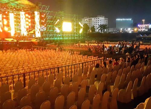 Festival 20 năm Làn sóng xanh vắng khán giả, nghệ sỹ danh tiếng mất hút