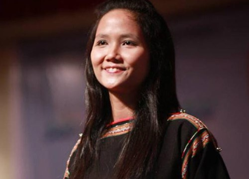 Hình ảnh hiếm của H'Hen Niê năm 19 tuổi bất ngờ được tung ra