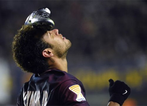 "Neymar tái hiện kiểu ăn mừng của Rô ""béo"""