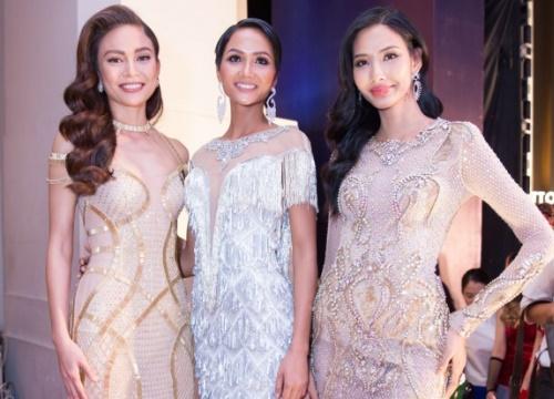 Top 3 Hoa hậu Hoàn vũ 2017 lộng lẫy lẫy kiêu sa 'dập tắt nắng' dàn người đẹp trên thảm đỏ