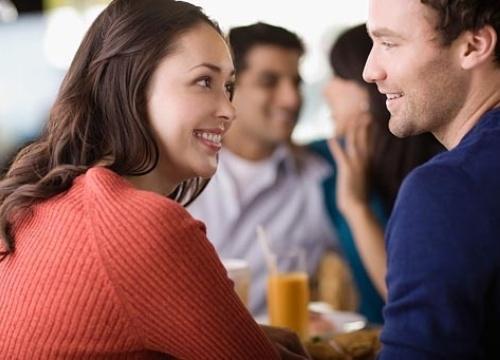 """Phụ nữ cứ thuộc lòng 4 """"bí kíp"""" chuyện trò với chồng, hôn nhân ngày nào cũng hạnh phúc!"""