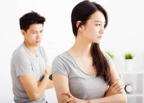 Bạn gái quá ít nói và chỉ thích được quan tâm